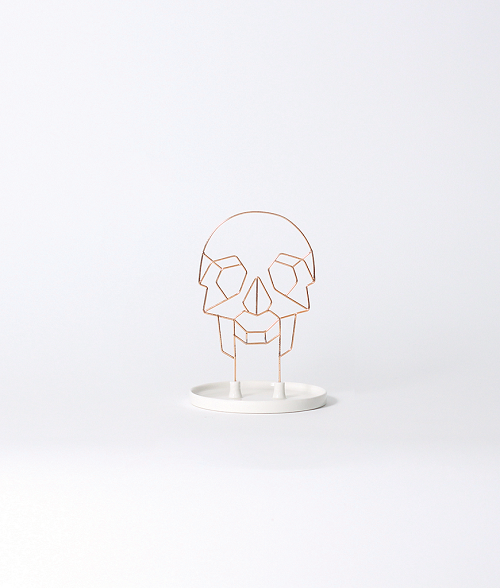 Coxet Wire Skull Ceramic Jewelry Holder